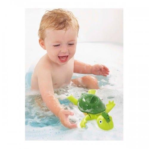 7772צב שוחה ושר – צעצוע אמבטיה – טומי