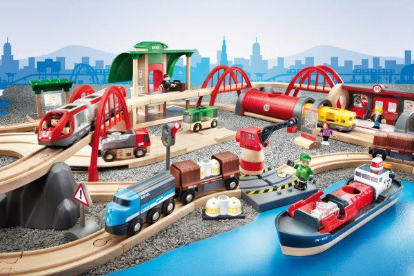 סט רכבות ומסלולים דלוקס 33052 BRIO
