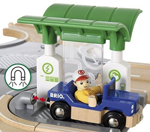 סט מסלול בעיר עם מכונית ודמות 33747 BRIO