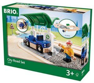 בריו מסלול בעיר עם מכונית 33747 BRIO