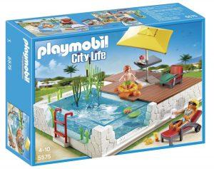 פליימוביל החיים בעיר- בריכת שחיה עם שמשייה ו2 בובות - 5575