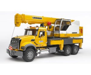 משאית מנוף ענק מק –  ברודר 2818