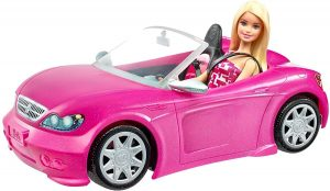 רכב ספורט גג פתוח עם בובת ברבי