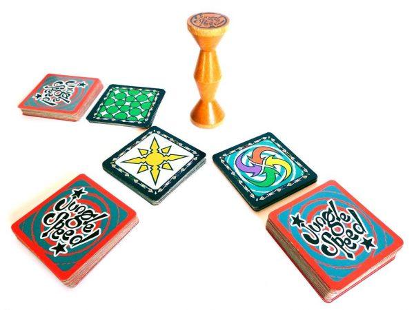 ג'ונגל ספיד - משחק קלפים פרוע ומטריף - פוקסמיינד