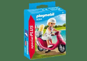 פליימוביל - נערת חוף עם קטנוע 9084